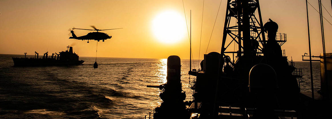 """EAST CHINA SEA (Jan. 21, 2020) An MH-60R Sea Hawk helicopter assigned to the """"Warlords"""" of Helicopter Maritime Strike Squadron (HSM) 51 conducts a vertical replenishment with the Ticonderoga-class guided missile cruiser USS Shiloh (CG 67). Shiloh is forward-deployed to the U.S. 7th Fleet area of operations in support of security and stability in the Indo-Pacific region."""